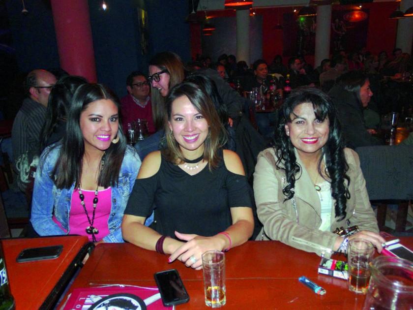 Karen Pizarroso, Daniela Aparicio y Ximena Tapia.