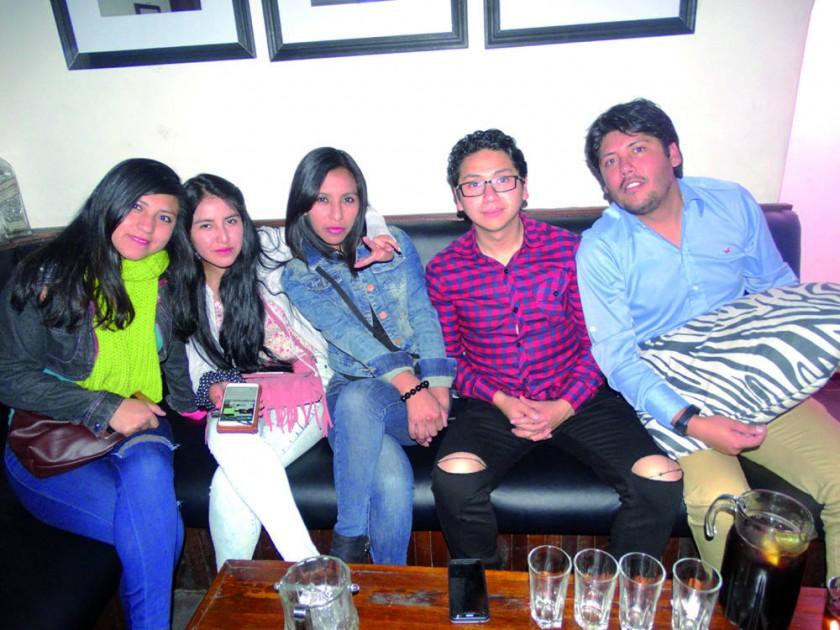 Alejandra, Marisel, Karen, Brian y Mauricio.