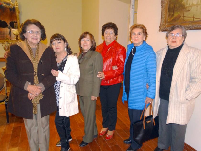 Organizadoras: Julia Pino, Cinthia Diez Canseco, Gaby Zamora, Doris de Diez Canseco, Blanca de Mercado y Blanca de...