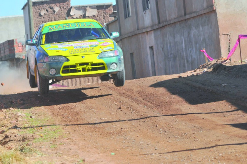 El piloto Alfredo Mancilla de Chuquisaca quedó cerca del título nacional en R1B.