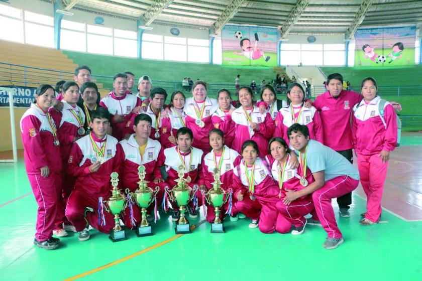 Las selecciones de Sucre y Oruro se repartieron los títulos del campeonato nacional.