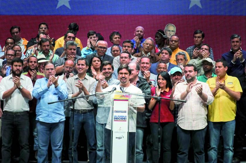 Maduro mantiene la Constituyente y Trump amenaza con sanciones
