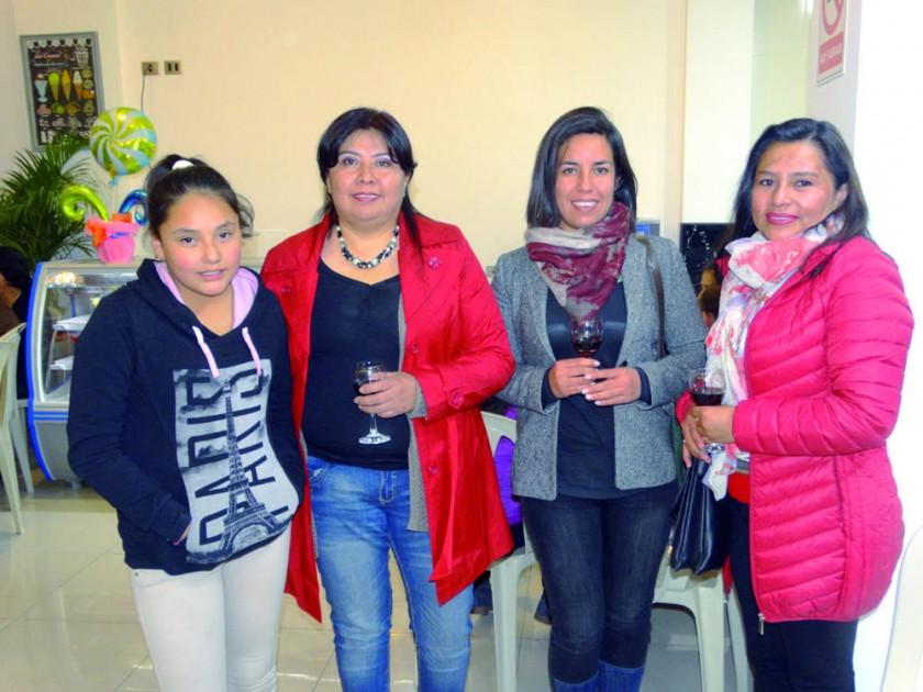 Camila Rodríguez, María del Carmen Aliaga, Valeria Romero y Roxana Amonzabel.