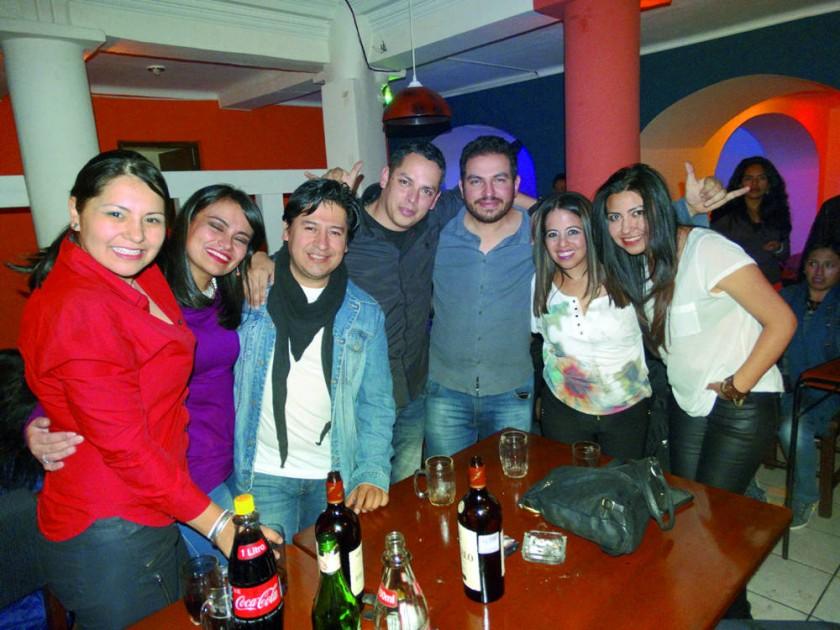Gabriela, Cibeles, Rodrigo, Walter, Marco, Yara y Pilar.