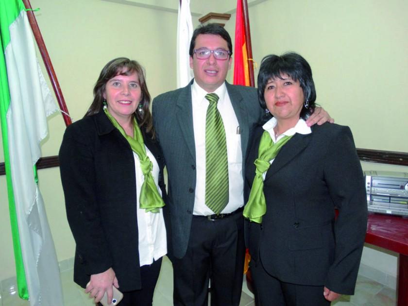 Cinthia Bueno, Milton Marquiegui y Jael Flores.