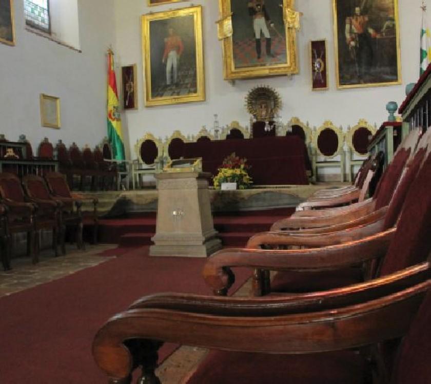 6 DE AGOSTO. El salón de la Independencia donde se fundó Bolivia.