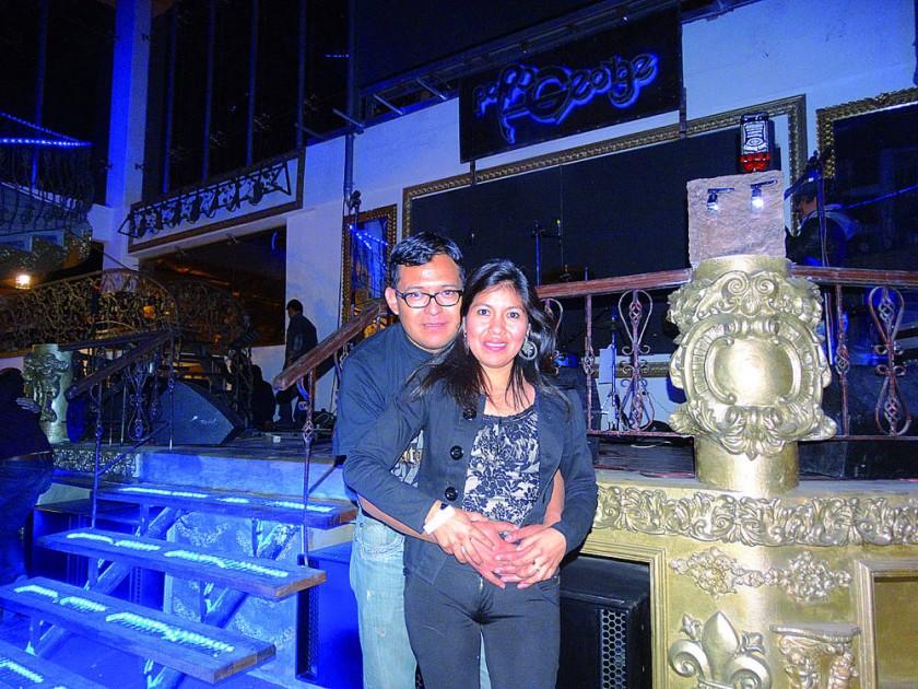 Mirko Flores y Ester Quispe.
