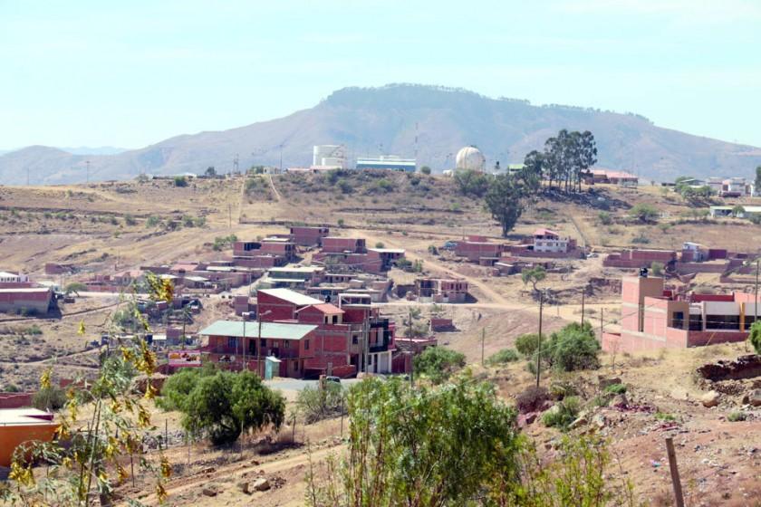 URBANIZACIONES. Vista de las faldas de las colinas de Ckora Ckora, donde se encuentran ubicado el barrio Europa.