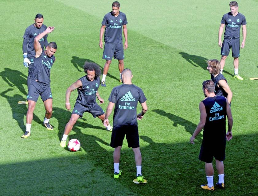 El cuadro merengue vive un gran momento futbolístico; mientras que el Barça aún no despierta.