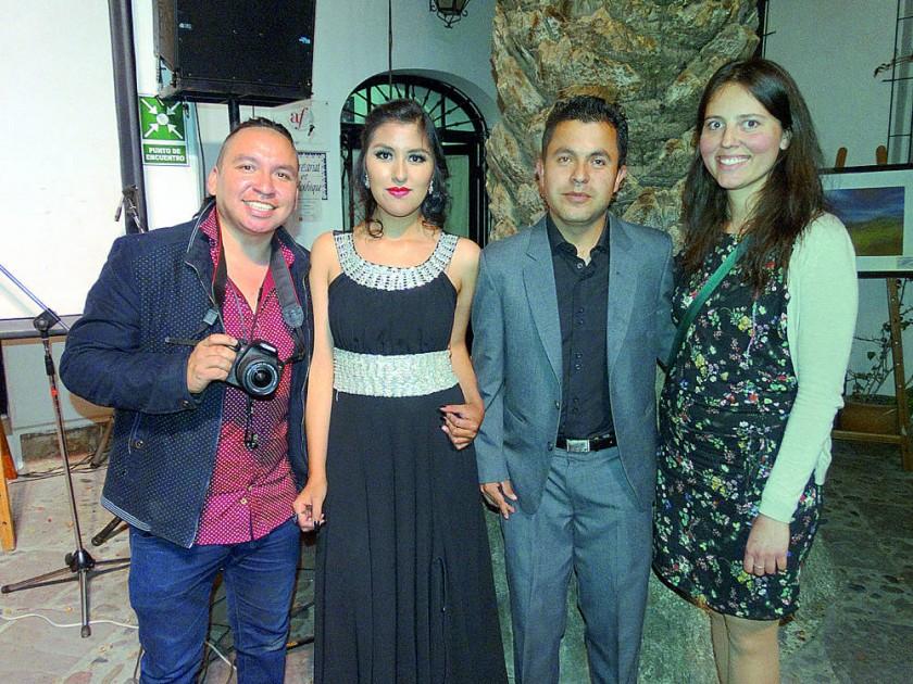 Alexis Loza, Lizbeth Flores, Osmar Apaza y Elenore Gire