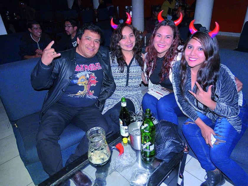 Fernando, Katherine, Valeria y Tatiana Vicker.