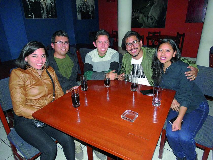Angélica, David, Bernardo, Carlos y Valeria.