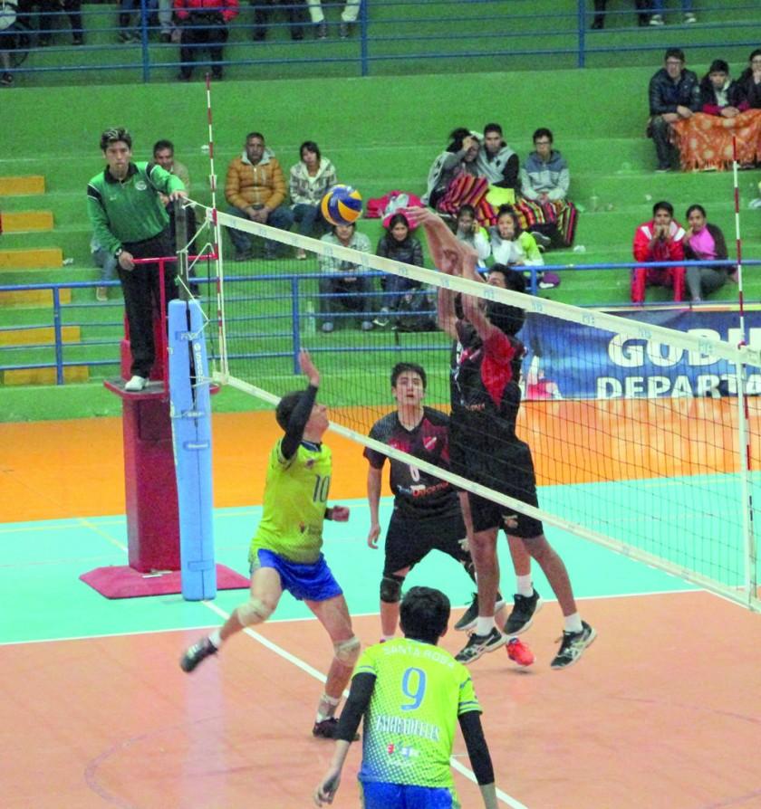 Dínamo venció anoche a Santa Rosa, en la segunda fecha de la Liga Juvenil del Voleibol Boliviano.