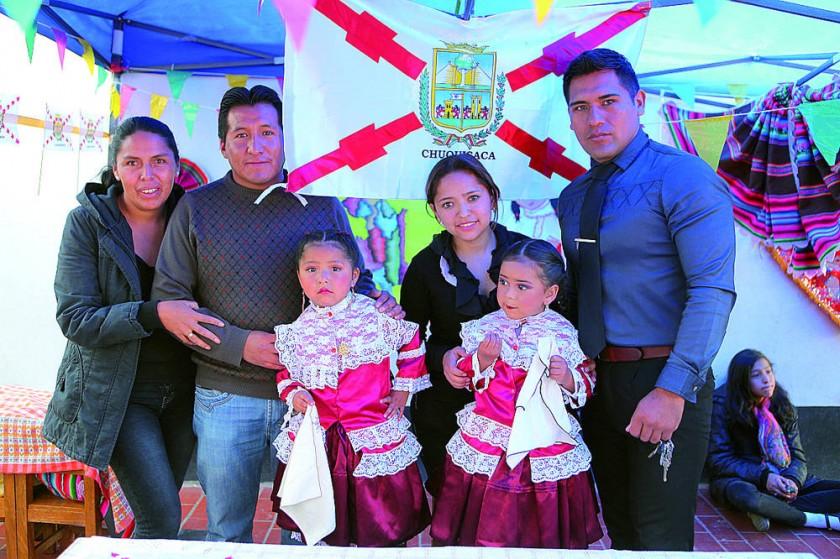 Chuquisaca: María Caballero, Douglas Ecos, Jhamile Ecos, Paola Torres, Thaiz Vela y Marvin Vela.