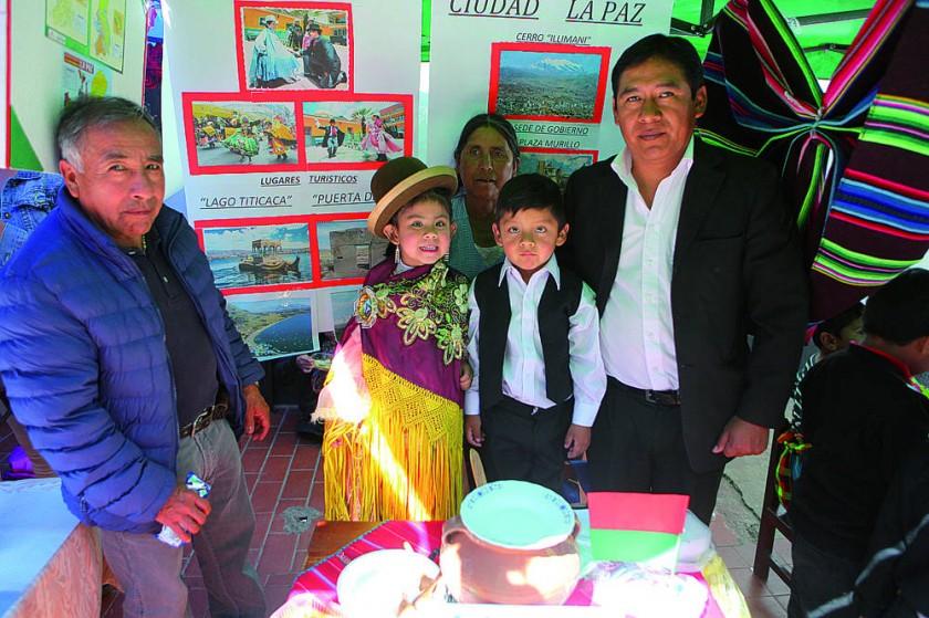La Paz: Gualberto Meneses, Lucía Delgado, Fortunata Romero,  Williams Soliz y Ernesto Soliz.