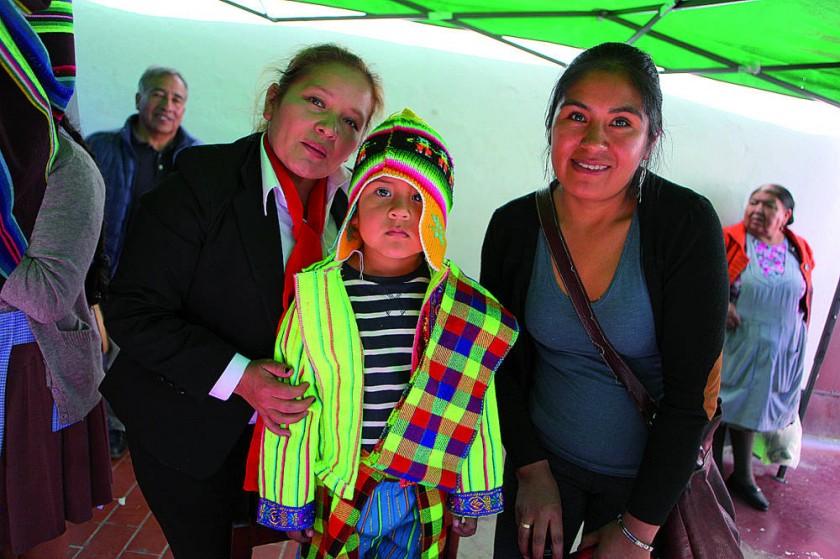 Potosí: Lourdes Llanos, Iker Ortiz y Luzmila Rojas.
