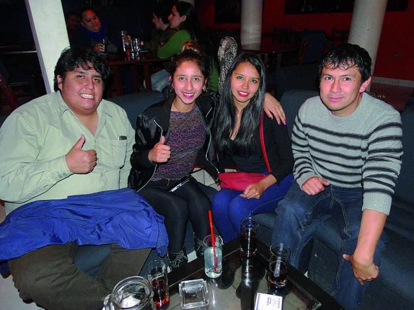 Carl, Gabriela, Nicole y Álvaro.