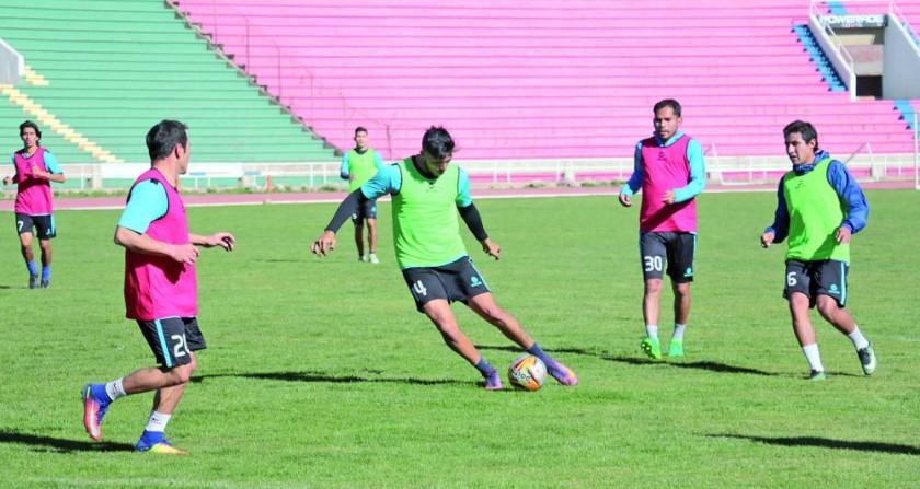 Universitario jugará su tercer partido como local en el Torneo Clausura cuando esta tarde reciba a Blooming, en el...