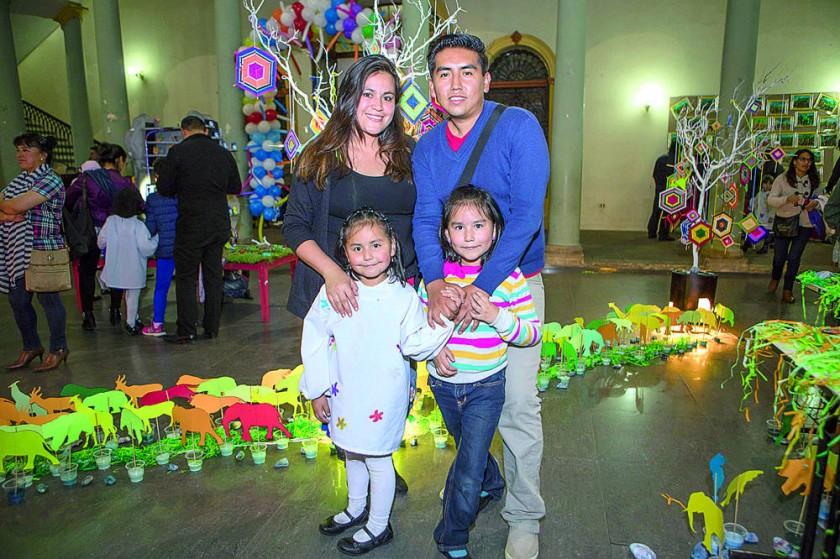 Ximena Noya, Marcelo Paz, Claudia Paz  y Fernanda Paz.