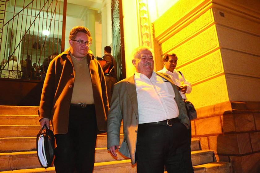 CONCLUSIÓN. Los acusados dejaron el Tribunal Supremo confundidos en la alegría y lágrimas.