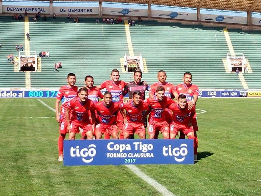 El equipo capitalino no pudo lograr su objetivo y termina con un empate. FOTO: CORREO DEL SUR