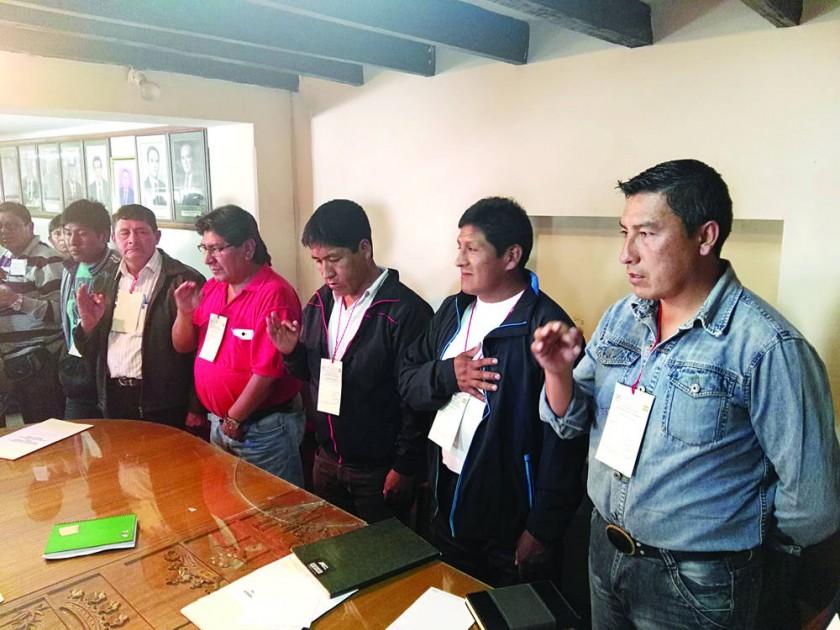 PROVINCIAS. La elección del directorio del Comité Cívico de las Provincias, que preside Roberto Balderas.