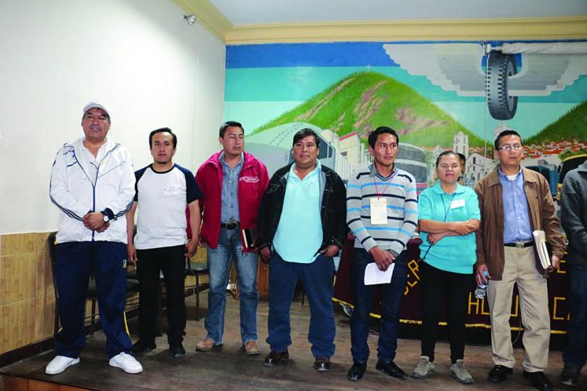 RENOVACIÓN. La nueva directiva del Comité Cívico de Intereses de Chuquisaca, al final de un congreso precedido...