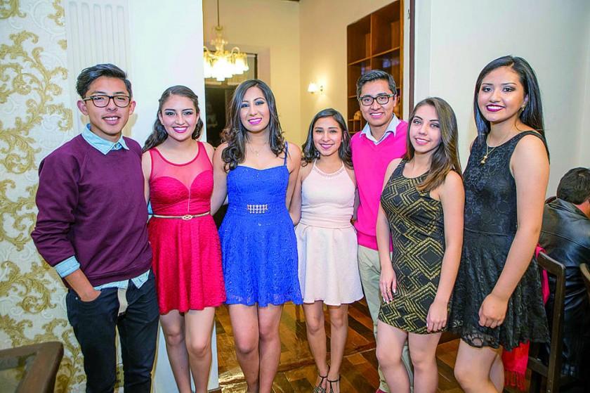 Luís García, Clarice Romero, Fernanda Aguirre, Georgina Gonzales, Julio Sandoval, Abril Bejarano y Camila Balderrama.
