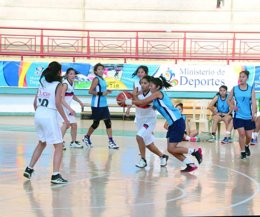 Sucre jugó frente a Monteagudo en el Polideportivo de Garcilazo.