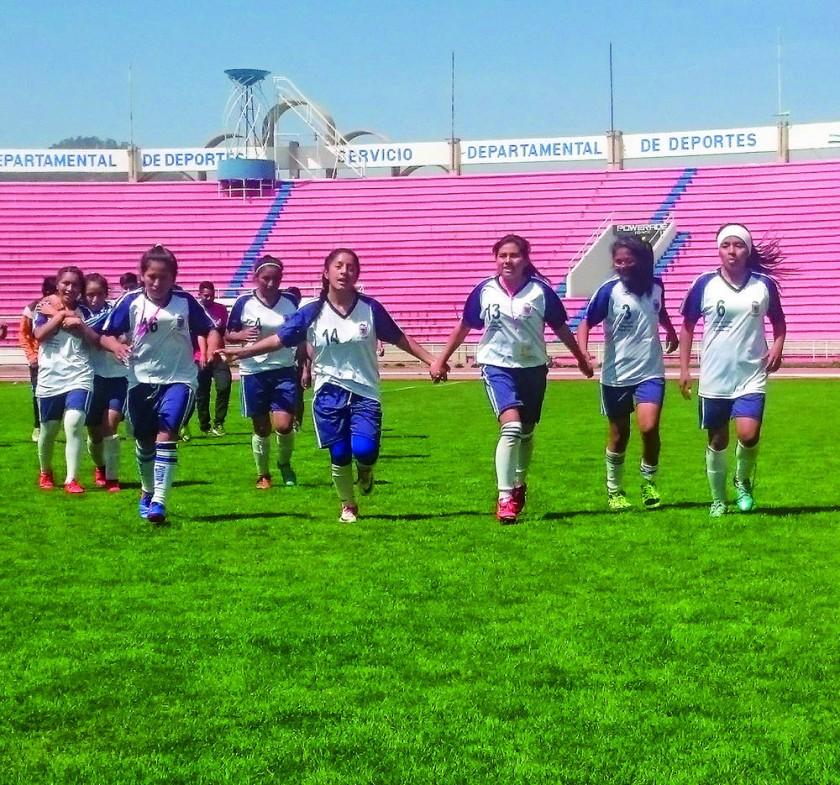 Eduardo Abaroa de Villa Serrano ganó la final femenina de fútbol.