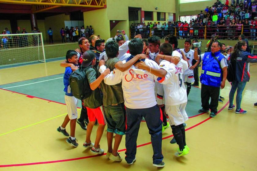 Latinoamericano festejó también en fútbol de salón.