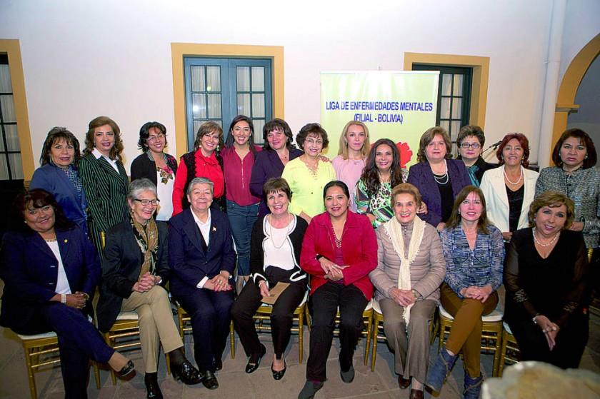 Integrantes de La Liga de Enfermedades Mentales Filial Bolivia.