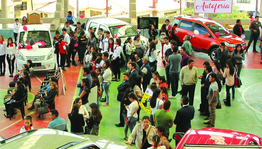 Expo: ¿Busca vehículo?