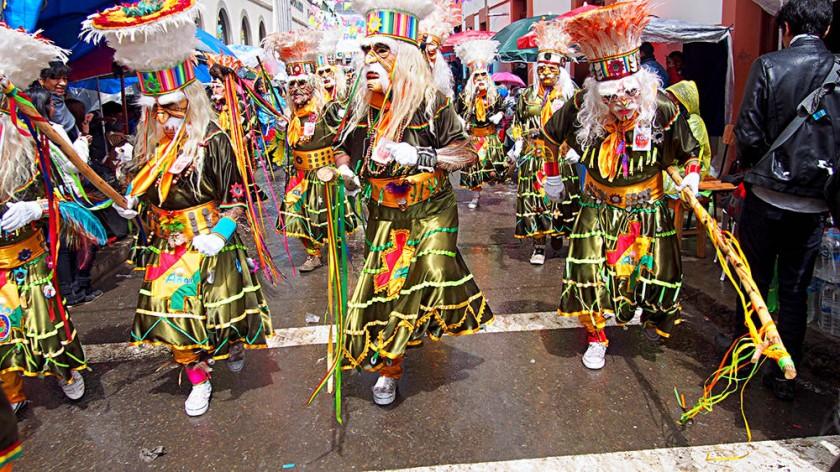 Representa a varias etnias bolivianas