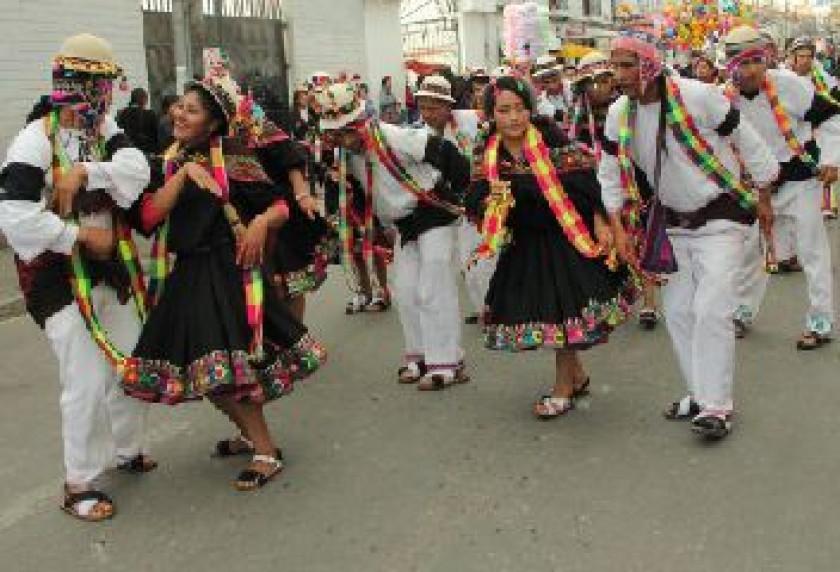 SUNQU JALQ'AS. Residentes de Potolo en su demostración cultural.