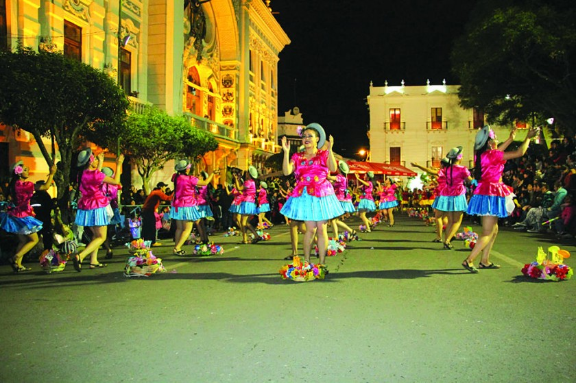 Sucre se viste de alegría  y folclore en Guadalupe