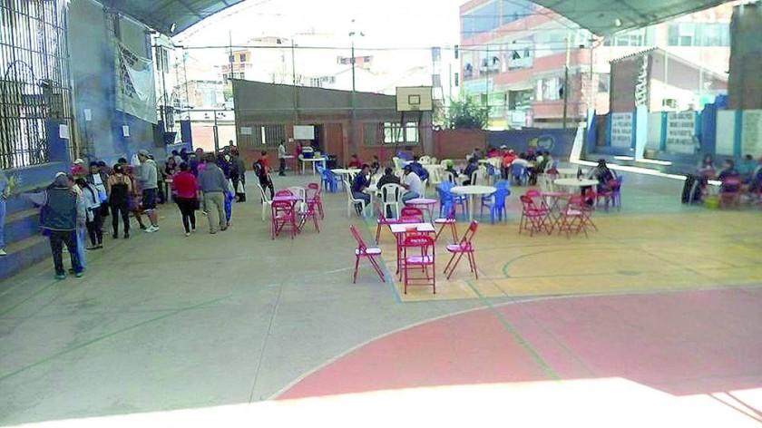 La cancha del Distrito 2 y el coliseo Evo Morales II fueron utilizados para actividades extradeportivas...