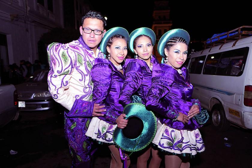 Caporales de la Cervecería Potosí: Mauricio, Alejandra, Katherine y Magaly.