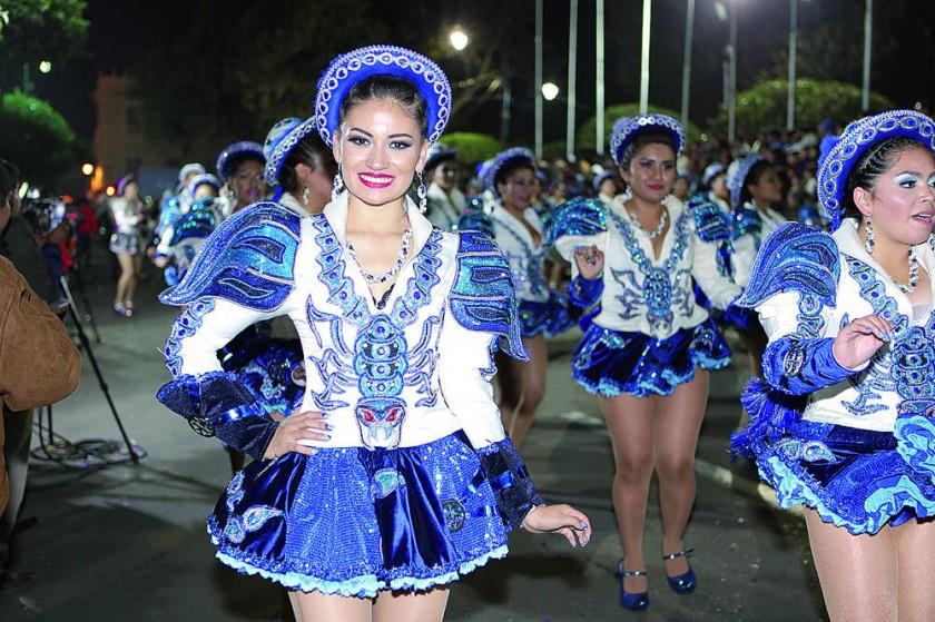 Caporales San Simón: Kruskaya Gonzales.