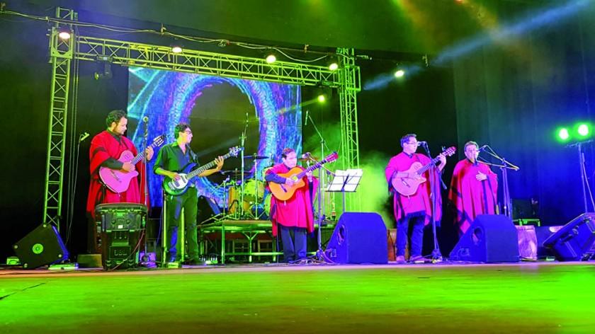 REPERTORIO. Los Cuatro para Tupiza interpretaron canciones típicas de varios paises.