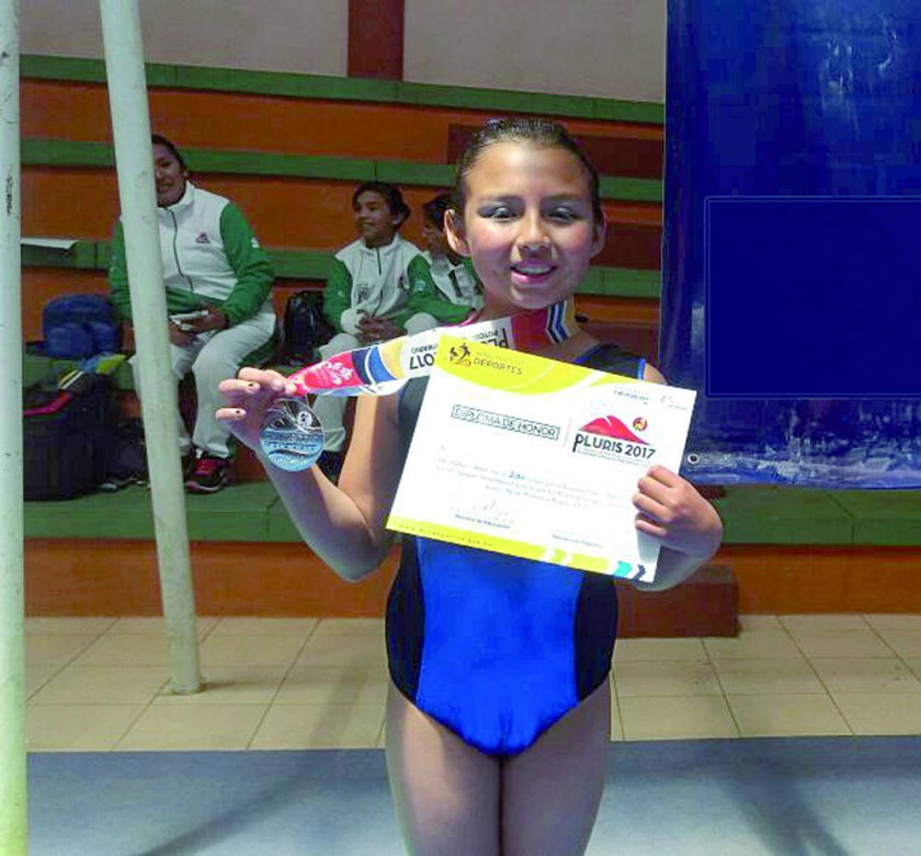 La gimnasta chuquisaqueña Andrea Oliva logró la medalla de plata en gimnasia artística