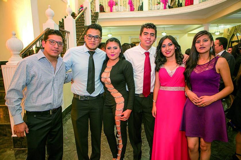 Freddy Gonzales, Abraham Cáceres, Paola Núñez, Richard Delgadillo, Selena Arriola y Mary Zárate.