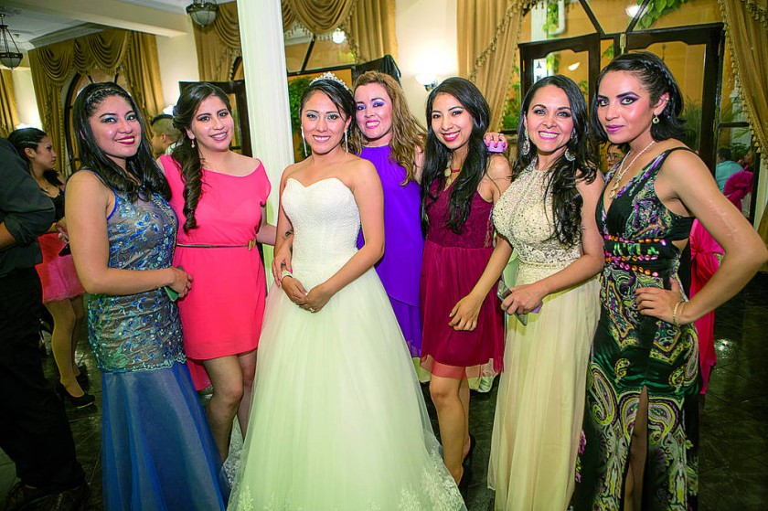 Valeria, Susel, Leslie, Thzael, Leandra, Elsa y Mariela.