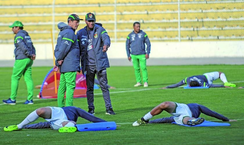 La Selección Nacional comenzó su trabajo ayer, en el estadio Hernando Siles.