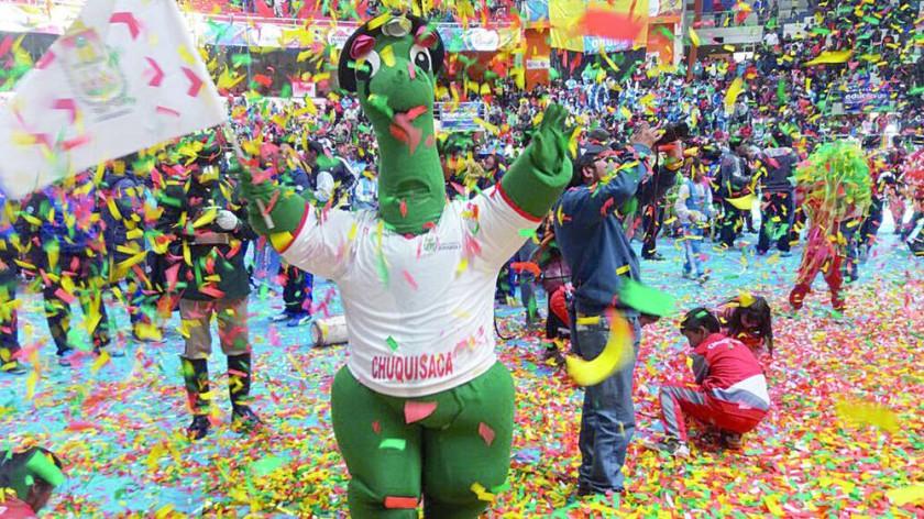 El Plurisaurito acompañó a la delegación chuquisaqueña en Potosí.