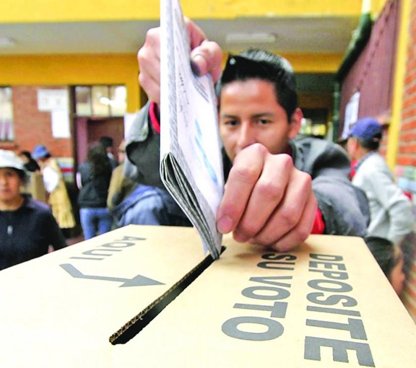 VOTACIÓN. La participación en las elecciones judiciales es obligatoria para todos los ciudadanos.