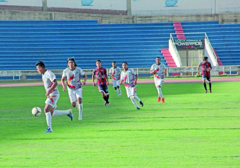 Atlético Sucre derrotó ayer a Stormer's en el estadio Patria.