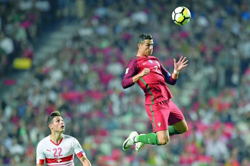 El portugués Cristiano Ronaldo y el francés Antoine Griezmann jugarán el Mundial del próximo año.