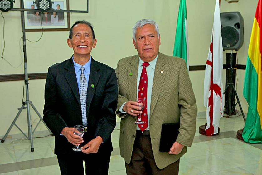 Reconocidos por sus 50 años al servicio de la sociedad: Jorge Calderón y Raúl Tango Ordóñez.