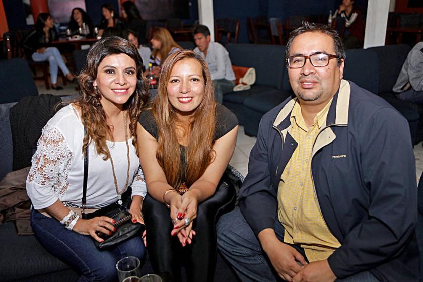 Lizeth Romero, Jenny Serrano y Jairo Rengel.